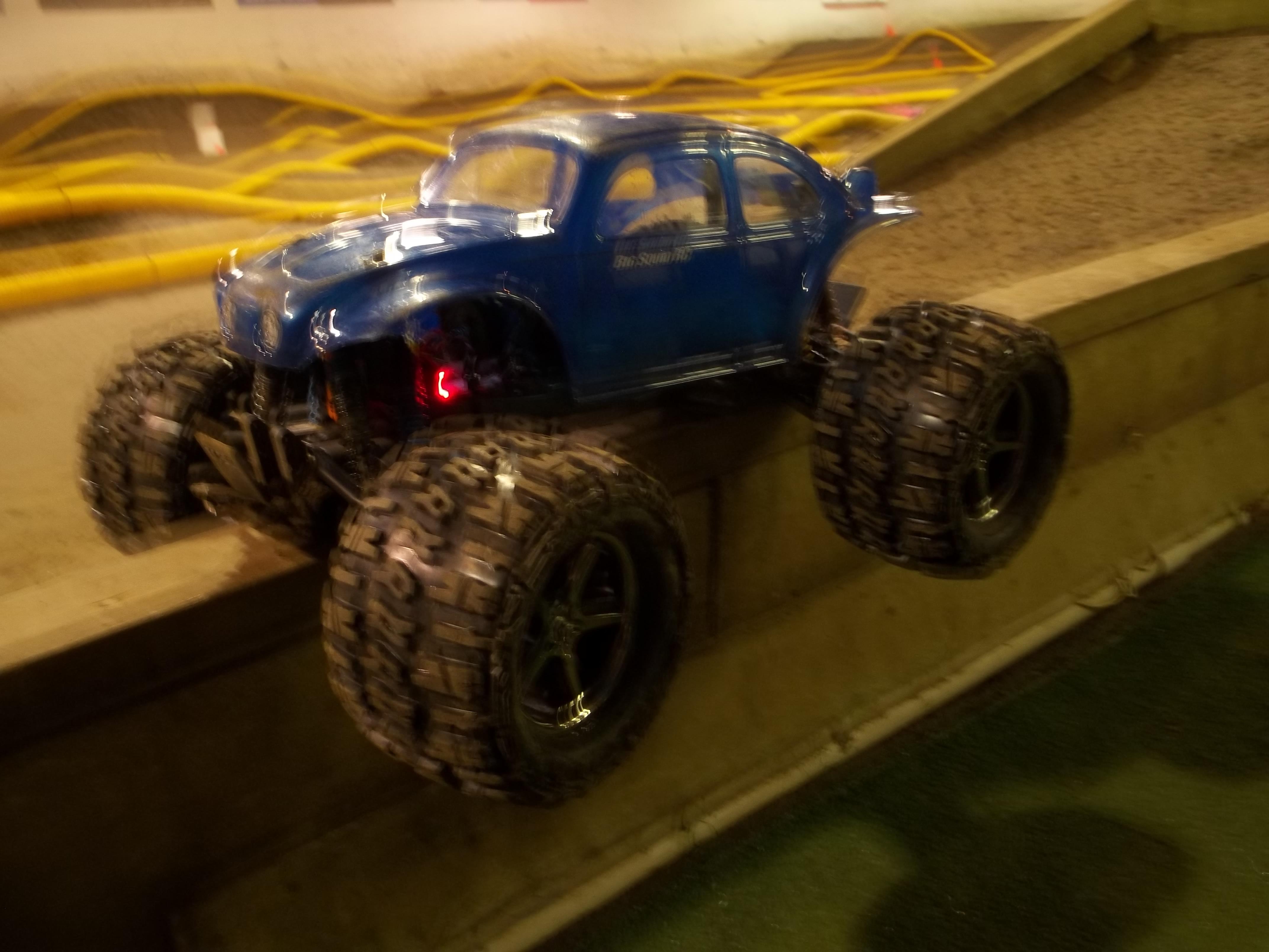Monster trucks crashes