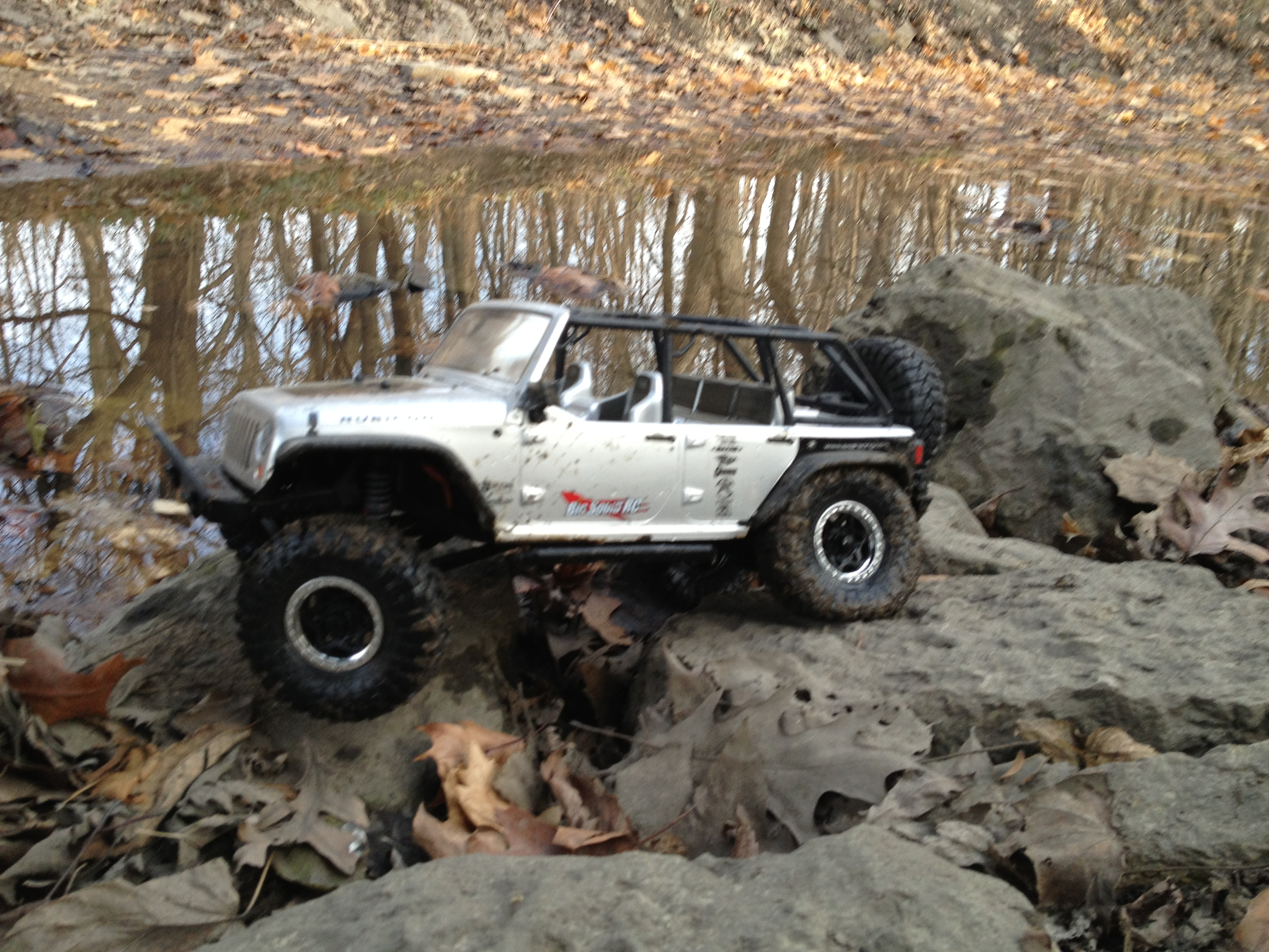 Jeep Unlimited Rubicon >> Axial SCX10 2012 Jeep Wrangler Unlimited Rubicon Review ...