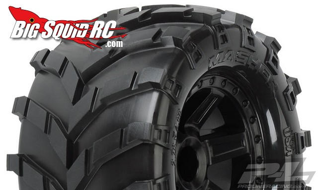 Pro-Line Masher 2.8″ Tires Mounted on Desperado Black Wheels for 1:10 Truck