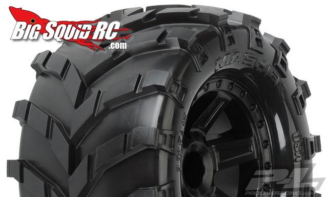 Pro-Line Masher 2.8″ Tires Mounted on Desperado Black Wheels for 1:10 Truck