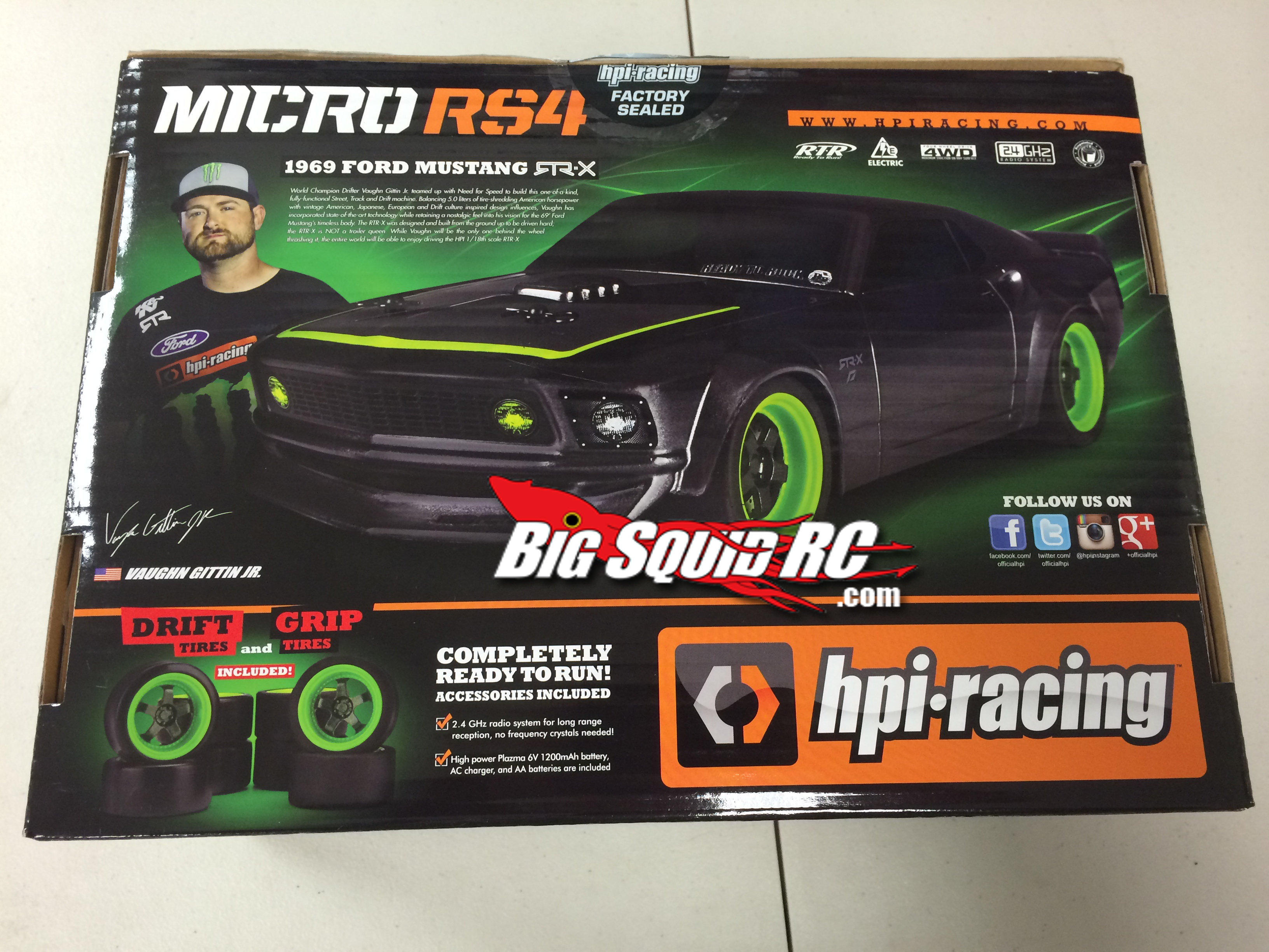 Evitez l'arnaque chez Disney : McQueen build to race remote HPI-Micro-RS4-Box-Side-1