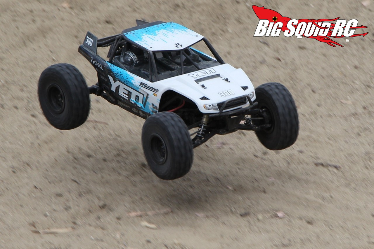 waterproof electric rc truck with Axial Yeti Review A Rock Racing Beast With Video on 221797012822 besides New Grave Digger Rc Axial further 200837292289 together with 141364673051 likewise Spud bar.