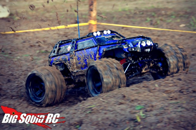 traxxas-summit-scaling