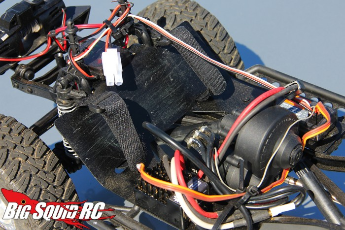 howler-customs-battery-tray-scx10