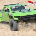 Axial Yeti SCORE Trophy Truck Review 5