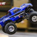 solid-axle-monster-truck-axial