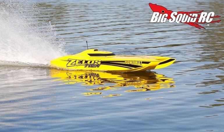 Pro Boat Zelos 36 Twin Catamaran