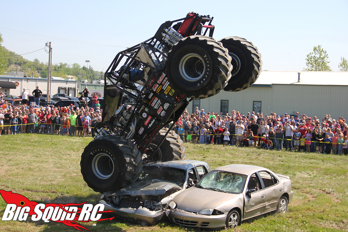 event coverage bigfoot 4 4 open house r c monster truck race big squid rc rc car and. Black Bedroom Furniture Sets. Home Design Ideas