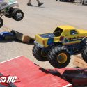 ufo-monster-truck-axial-race