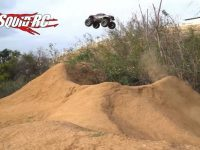 Video Traxxas X-Maxx Jump Session