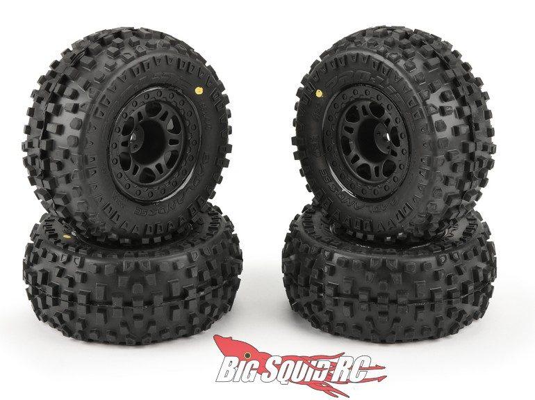 Pro-Line Badlands SC M2 Tires Split Six Mounted Four Pack Wheels