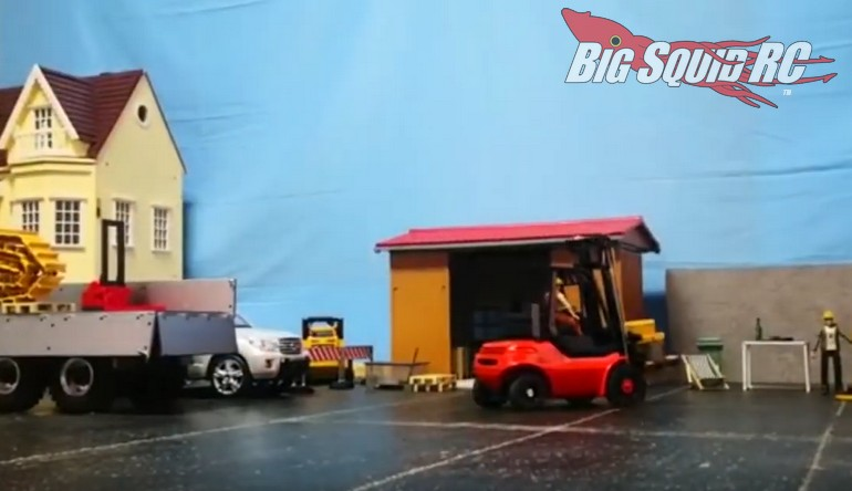 RC4WD Scale Realistic RC Forklift Video